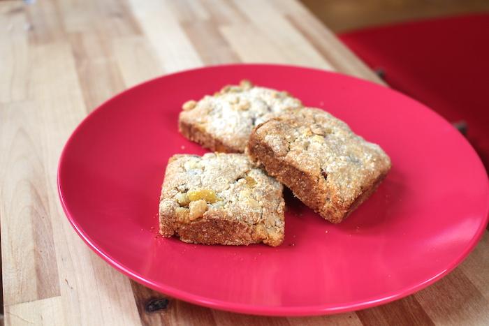 3 biscuits scones cuits