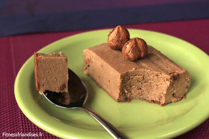 La texture ferme et fondante de mon cheesecake au praliné sans sucre ajouté
