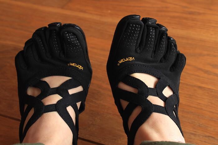 chaussures Vibram Alitza Loop noires